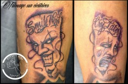 Tatouage masques chicano smile now cry later sur cicatrices