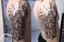 Tatouage religieux ange qui prie rose sugar skull homme